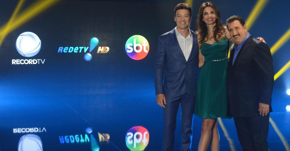Rodrigo Faro, Luciana Gimenez e Ratinho na gravação realizada quarta-feira sobre o desligamento do analógico que reuniu Record, RedeTV! e SBT