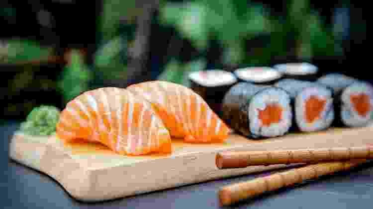 Restaurante japonês, comida japonesa, sushi - iStock - iStock