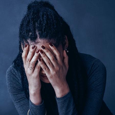 Crise costuma ter sintomas como taquicardia, tremores e falta de ar - iStock