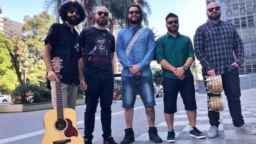 Banda Maneva lança o single e o clipe de ?Tô de Pé?; música estará no próximo DVD da banda - Divulgação