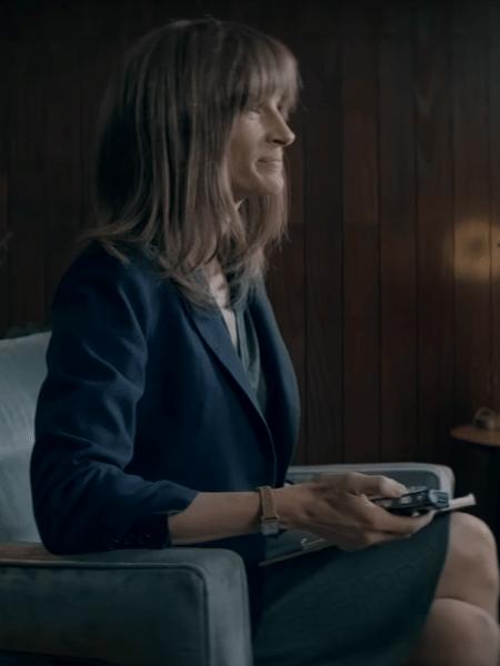 """Julia Roberts em cena de """"Homecoming"""" - Reprodução"""