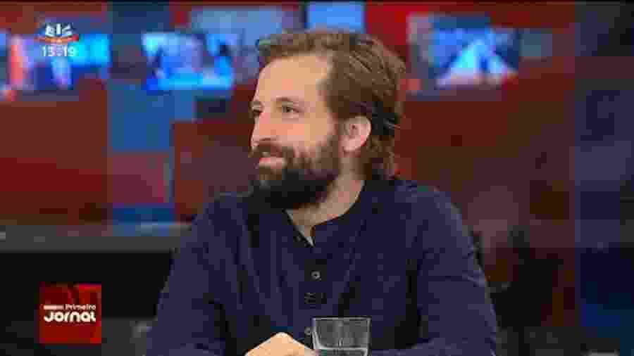 Gregório Duvivier concede entrevista à rede portuguesa SIC - Reprodução/SIC