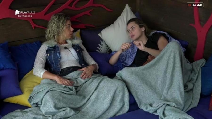Catia Paganote e Ana Paula Renault conversam na casa da árvore  - Reprodução/PlayPlus