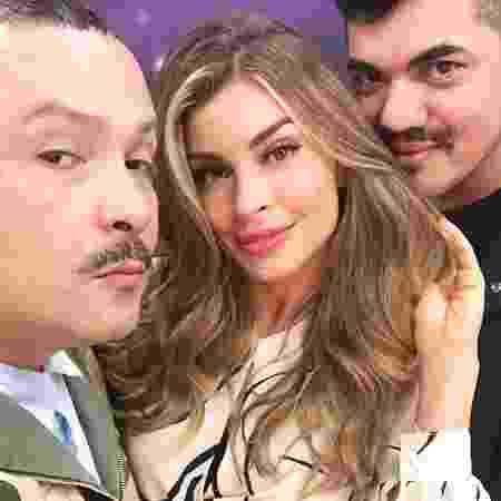 A dupla de stylists Juliano e Zuel com uma de suas clientes, a atriz Grazi Massafera - Reprodução/Instagram/@julianoezuel