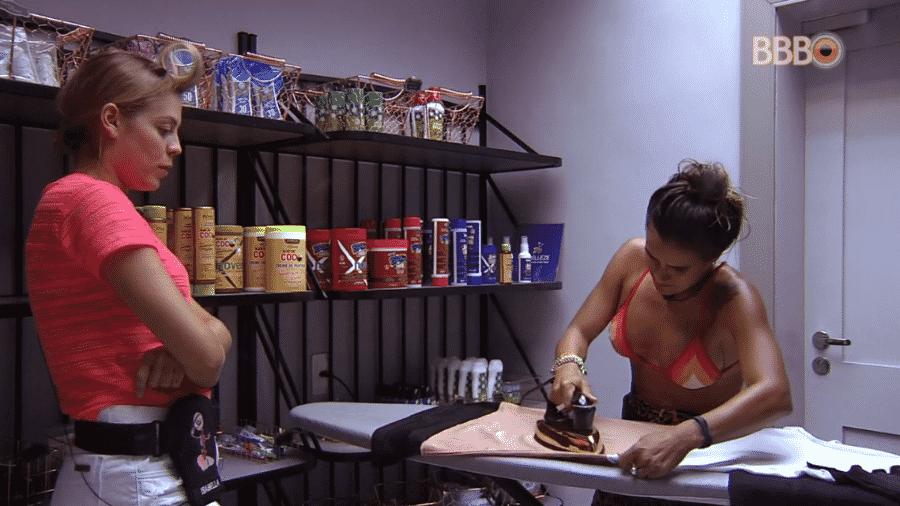 Isabella conversa com Carolina sobre paredão - Reprodução/Globoplay