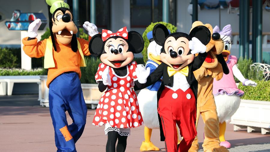 Pateta, Minnie, Mickey, Pato Donald, Pluto e Margarida em um dos parques da Disney - YOSHIKAZU TSUNO/Gamma-Rapho via Getty Images