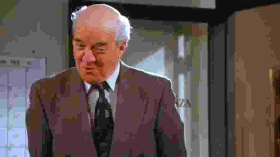 """Richard Herd como o Sr. Wilhelm em cena de """"Seinfeld"""" - Reprodução"""