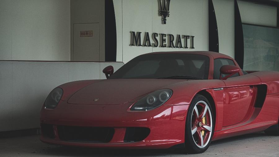 Porsche Carrera GT em concessionária abandonada na China - Reprodução