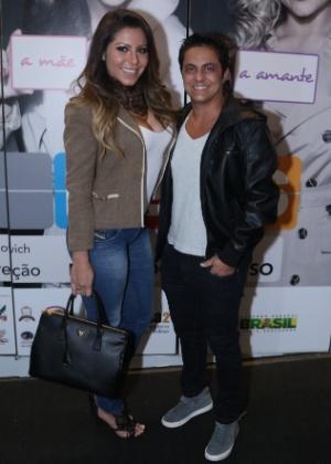 Thammy Miranda acompanhado da namorada, Andressa Ferreira