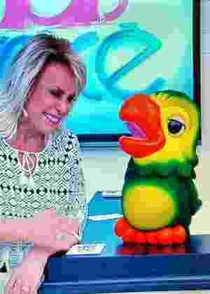 Ana Maria Braga tem ataque de riso após ser provocada por Louro José - Reprodução/Globo