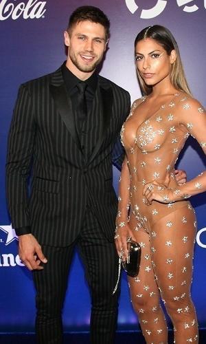 16.fev.2017 - Mari Gonzalez e Jonas  no Baile de Carnaval da Vogue, no hotel Unique, em São Paulo