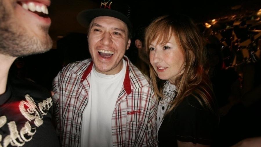 O cantor Chorão e sua esposa, a estilista Graziela Gonçalves, em 2007 - João Sal/Folhapress