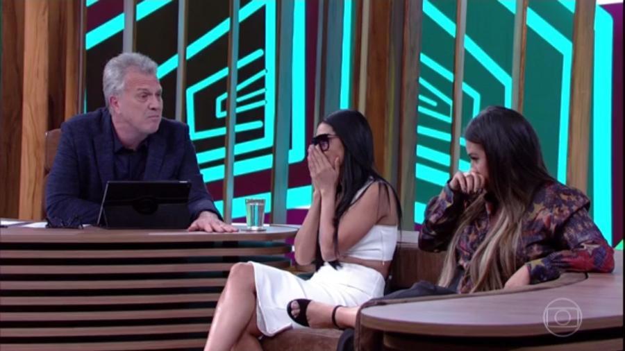 """Simaria e Simone choram ao lembrar a morte do pai no """"Conversa com Bial"""" - Reprodução/Globo"""