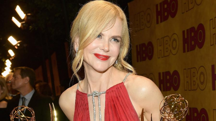 Nicole Kidman levou dois troféus durante o Emmy Awards de 2017 - Getty Images