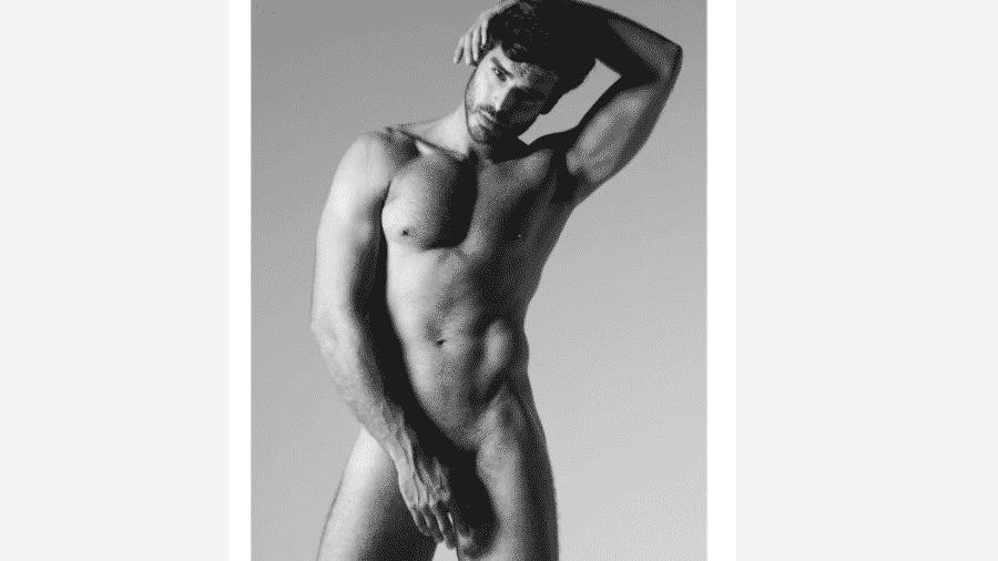 """Anderson Tomazini, que interpreta o Xodó em """"O Outro Lado do Paraíso"""", posa nu - Reprodução/Instagram"""