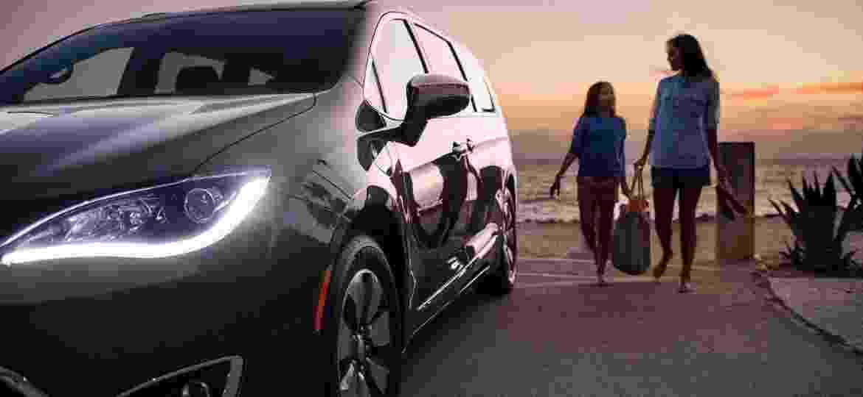 Chrysler Pacifica Hybrid: é minivan, é híbrida... e tem gente interessada - Divulgação