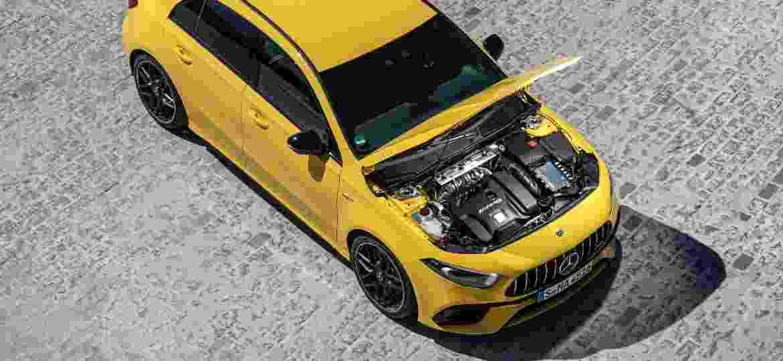 Versão A45 S (foto) chega ao Brasil em março de 2020 com 421 cv, juntamente com o CLA 45 S, com o mesmo motor - Divulgação