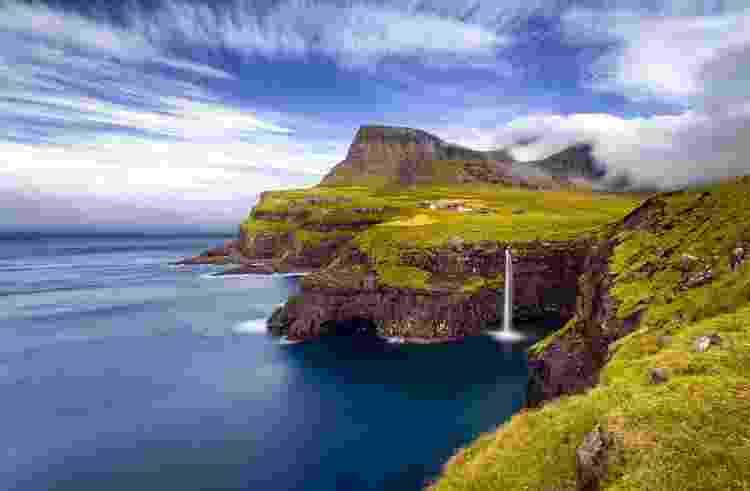O pequeno vilarejo de Gásadalur, um dos mais fotografados nas Ilhas Faroé - Sorstrommen/Getty Images/iStockphoto - Sorstrommen/Getty Images/iStockphoto