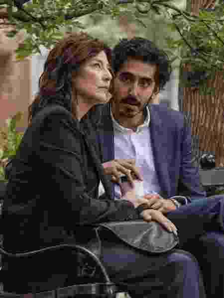 Catherine Kneer e Dev Patel em cena de Modern Love, da Amazon - Giovanni Rufino/Amazon - Giovanni Rufino/Amazon