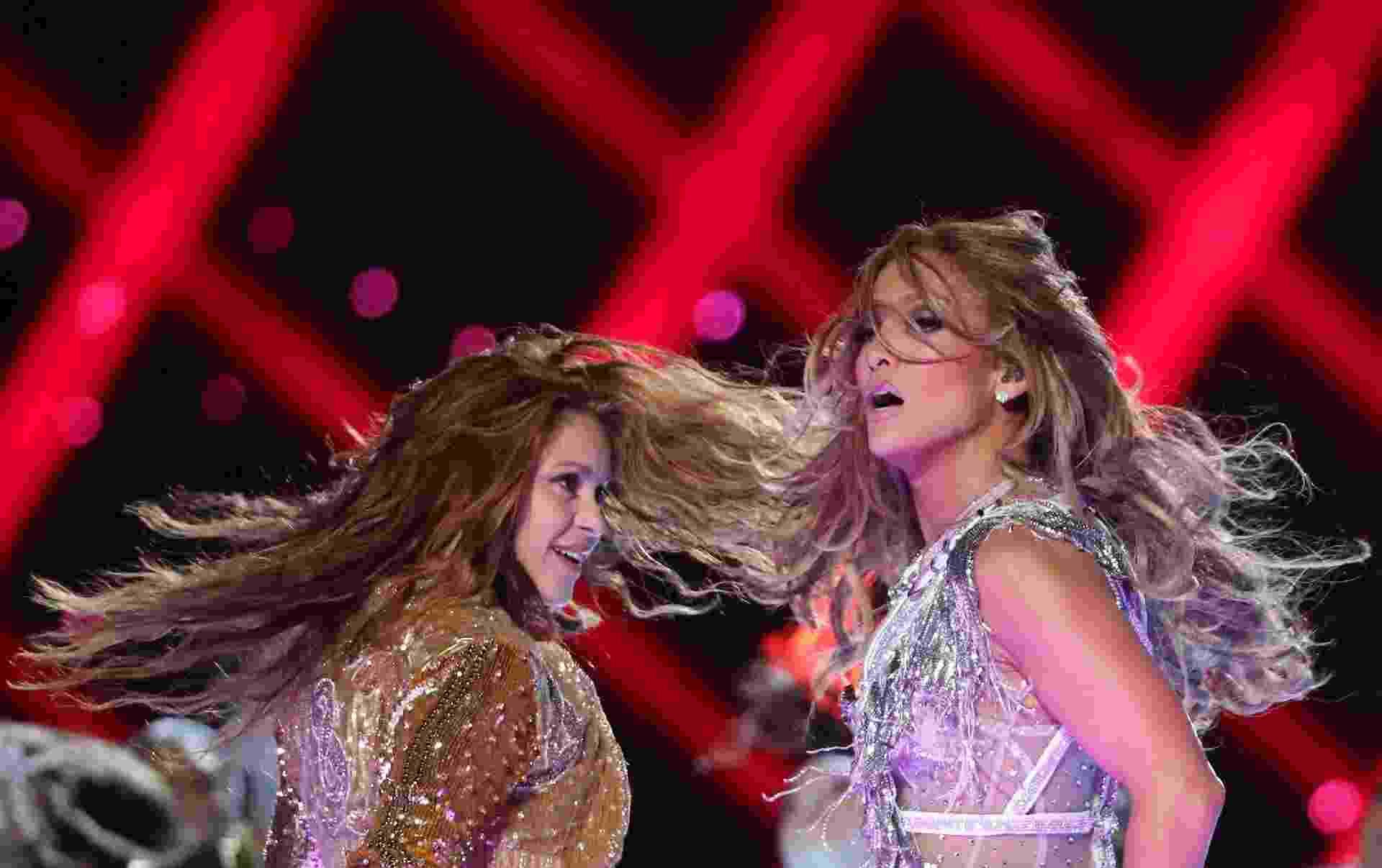 Shakira e Jennifer Lopez se apresentam no Super Bowl 54 - REUTERS/Shannon Stapleton