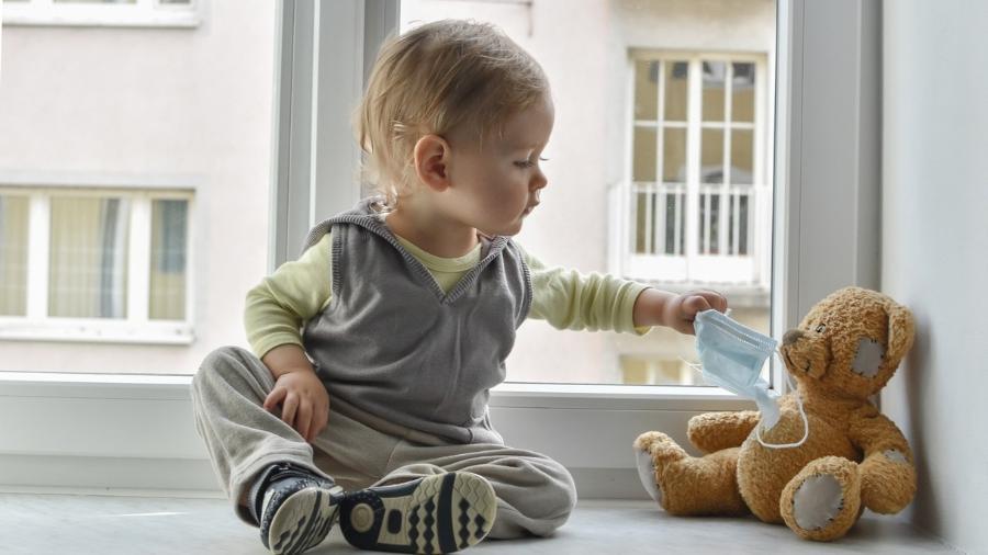 Cientistas acreditam que crianças mais novas não transmitem covid-19 - iStock