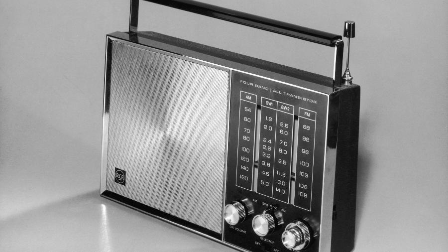 Crescimento de rádios e podcasts acelera na pandemia e nos dá dicas sobre como combater a sensação de solidão - Getty Images