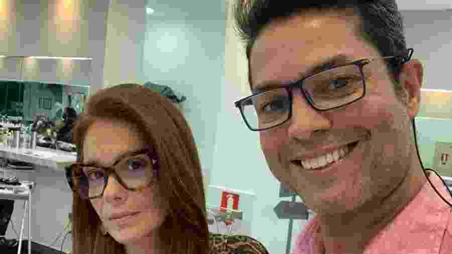 Karla Muga, que interpretou Grampola, e o cabeleireiro Osíris - Reprodução/Instagram