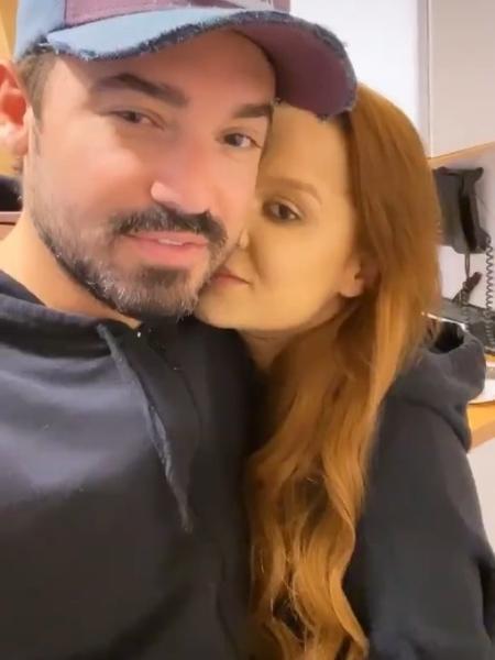 Fernando e Maiara aparecem juntinhos após longa noite de trabalho - Reprodução/Instagram