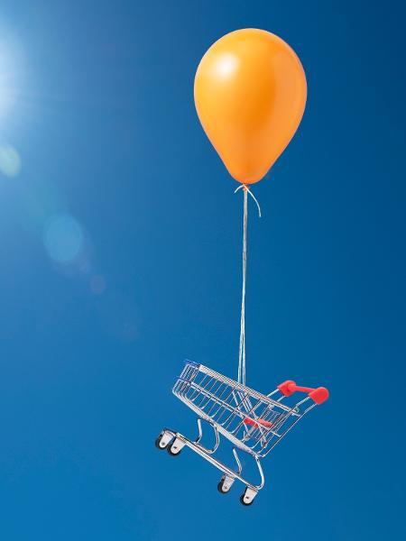 Inflação já supera a meta perseguida pelo Banco Central e vai subir mais antes de começar a cair, dizem enconomistas - PM Images/royalty free/Getty Images