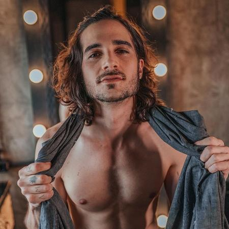BBB 21: Fiuk sem camisa no Instagram - Reprodução/Instagram @fiuk
