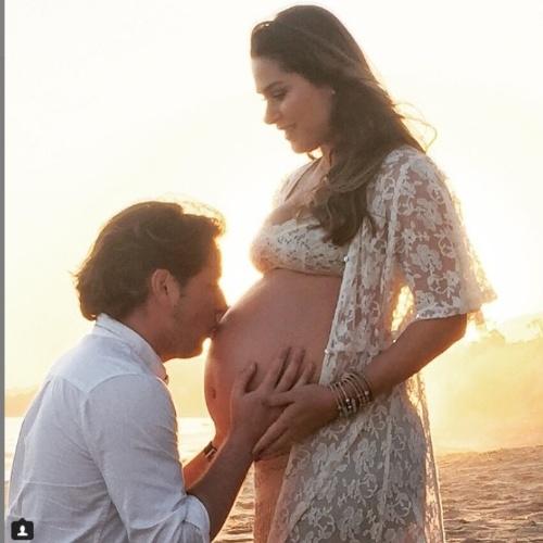 21.jun.2015- Prestes a dar à luz, Fernanda Machado parabeniza o marido pelo Dia dos Pais, que foi celebrado nos Estados Unidos neste domingo.