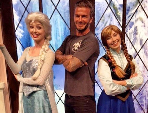 """Na Disney, David Beckham posa ao lado das princesas de """"Frozen"""" - Reprodução/Instagram/David Beckham"""