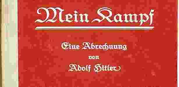 """Capa da primeira edição de """"Mein Kampf"""", assinada por Adolf Hitler - Reprodução/EPA/HO"""