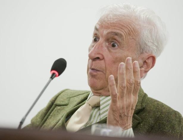 """Gay Talese participa de palestra no auditório do jornal """"Folha de S.Paulo"""", em 2012 - Daigo Oliva/Folhapress"""