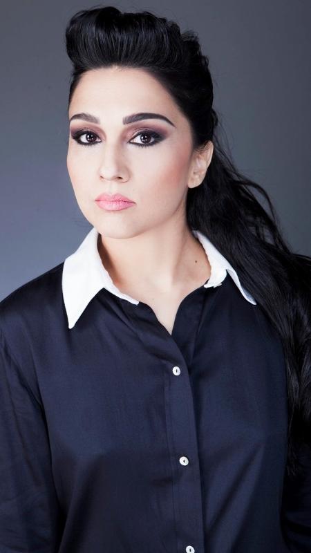 A modelo e escritora Nalini Narayan diz que aos 15 anos teve o primeiro orgasmo só por estimulação nos seios - Arquivo Pessoal