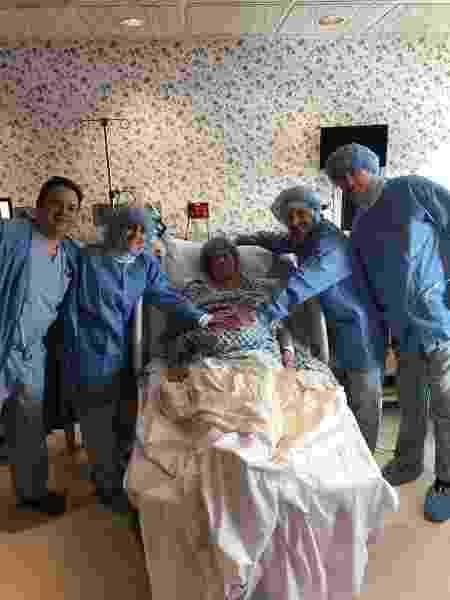 Todos estavam presentes no parto dos gêmeos - Reprodução/Facebook/Kevin Barattini
