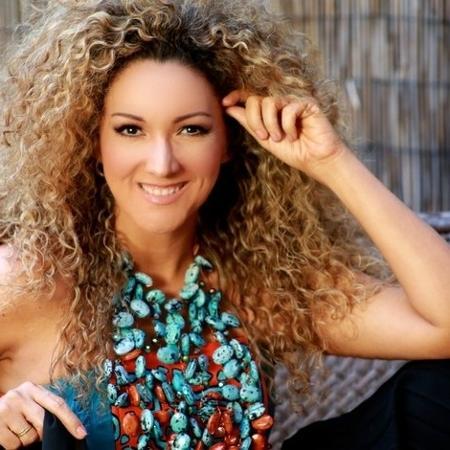 """Filha de baiana, co-autora de hit """"Despacito"""" quer ir além - Divulgação"""