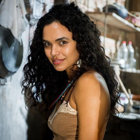 Cléo, personagem de Giovana Cordeiro, vai incomodar Sophia (Marieta Severo) - Raquel Cunha / TV Globo