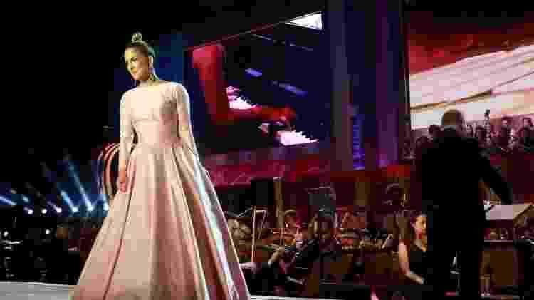 """Claudia Leitte foi uma das atrações do palco do espetáculo """"Feliz Natal Brasil - Believe"""", em São Paulo - Brazil News - Brazil News"""