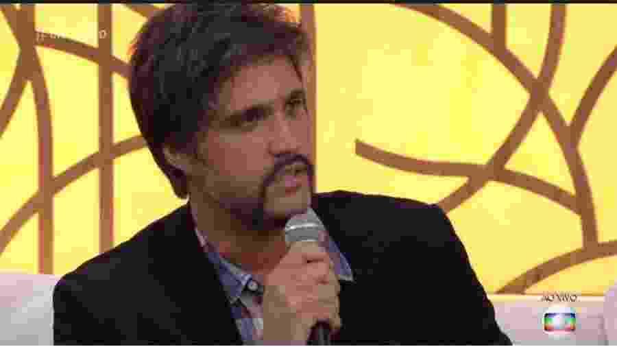 """Leo Chaves foi sem o irmão Victor lançar seu livro no """"Encontro"""" - Reprodução/Globo"""