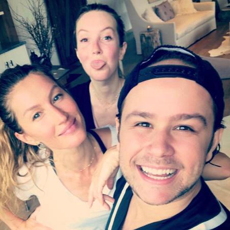 Gisele, a irmã Rafaela e o professor Justin neto - Reprodução/Instagram