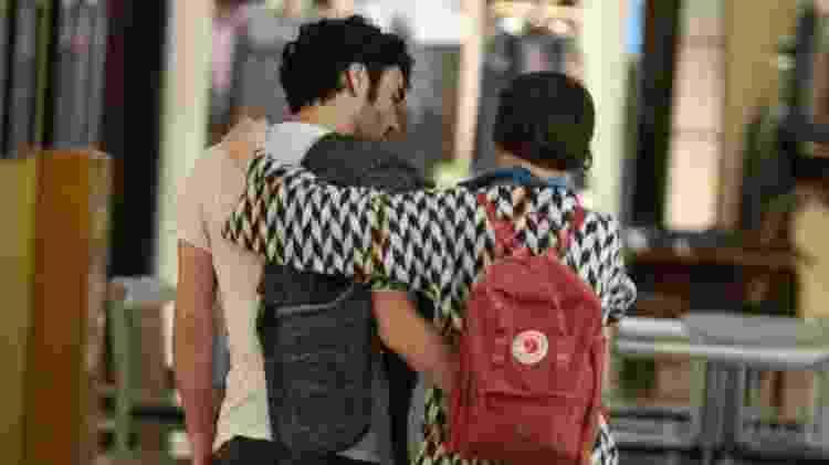 Caio Blat e Luisa Arraes passeam abraçadinhos em shopping da zona sul do Rio - Ag.News - Ag.News