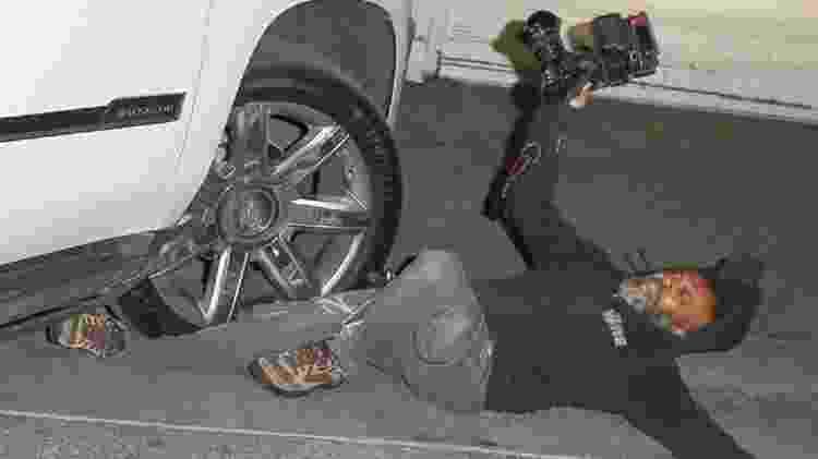 Motorista de Jennifer Lopez atropela fotógrafo, não para carro e vai embora
