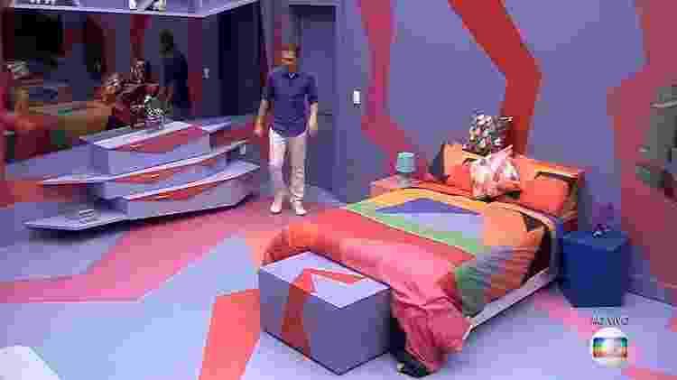 """Tiago Leifert mostra interior de quarto de """"BBB19"""" - Reprodução/Globo - Reprodução/Globo"""