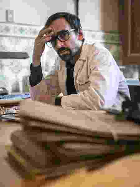 Evandro (Julio Andrade) é diretor e vai sofrer bastante com a falta de recursos do hospital  - Divulgação/TV Globo/Raquel Cunha
