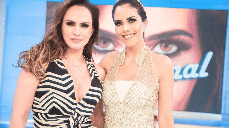 """Núbia Oliiver com Daniela Albuquerque no programa """"Sensacional"""", da RedeTV! - Andrea Dallevo/Divulgação"""