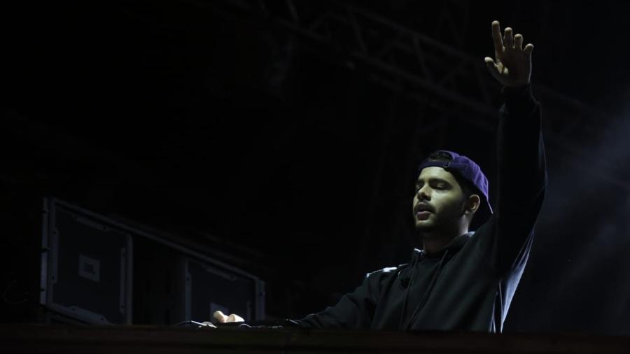 DJ Pedro Sampaio se apresenta no Carnaval do Mirante, em Belo Horizonte - Alexandre Rezende/UOL