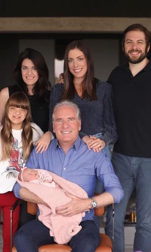 Roberto Justus e seus cinco filhos