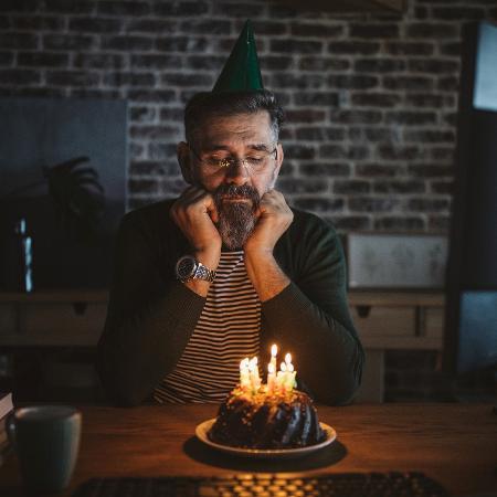 Até os aniversários estão muito deprimentes - iStock