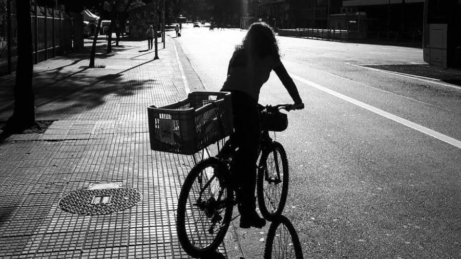 Ciclista do Señoritas Courier, coletivo de mulheres e LGBTQs - Acervo pessoal
